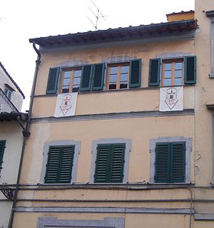 "Oltrarno - ""NoScav"" flags in the windows of a building on Piazza Piattellina in San Frediano (2013)"