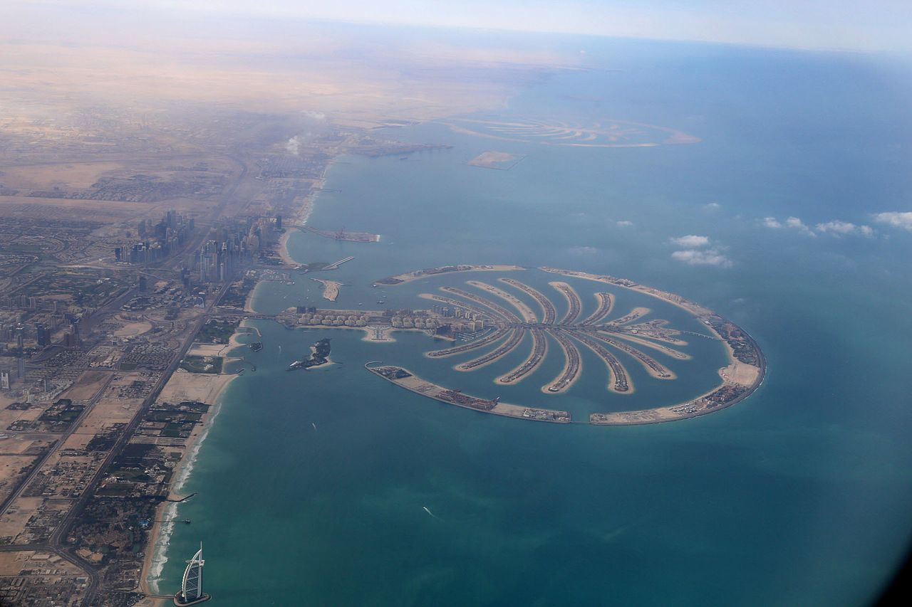 File Dubai Palm Islands From The Air Jpg Wikimedia Commons