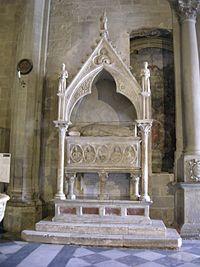 Duomo di arezzo, interno, sepolcro di gregorio X, inizi XIV secolo.JPG