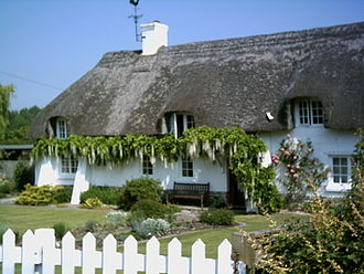 Briantspuddle - Cruck Cottage, one of the original 12 houses in Briantspuddle