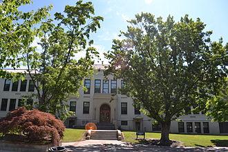 Eastern Oregon University - Ackerman Hall