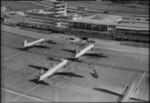 ETH-BIB-Flughafen-Zürich, Flughof, Flugzeuge-LBS H1-014554.tif