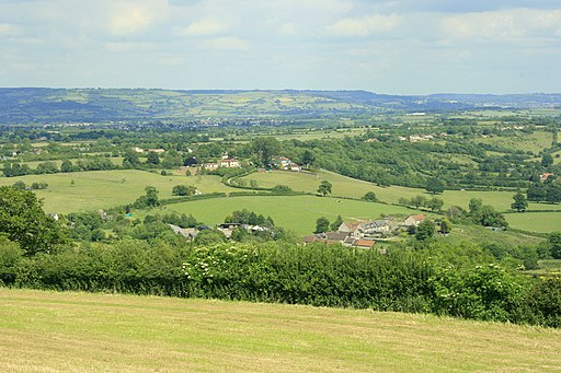 East from Maes Knoll - geograph.org.uk - 1384409