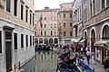 Egy hétköznap Velencében - panoramio.jpg