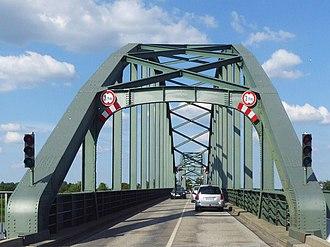 Friedrichstadt - Eider bridge (monument protected, double arch bridge from 1916) between Friedrichstadt and Sankt Annen