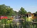 Empfehlenswerte Verkaufsstelle saisonaler Erzeugnisse und bei Eis, Kaffee, Kuchen, ein schöner Rastplatz. - panoramio.jpg