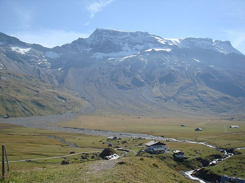 File:Engstligenalp - panoramio.jpg