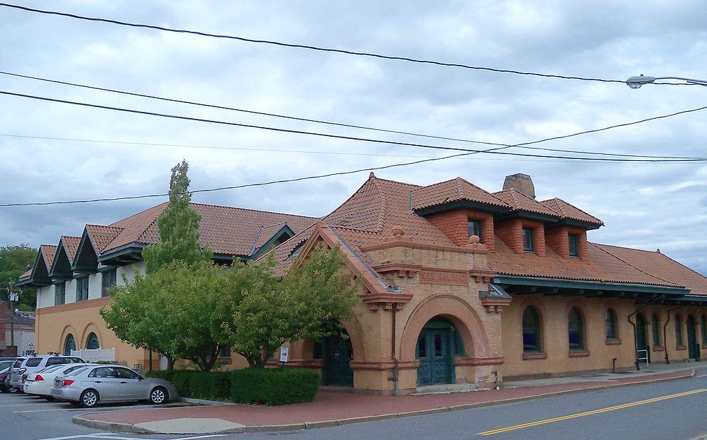 File:Erie Railroad Depot Middletown Ny 5.Jpg - Wikimedia Commons