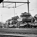 Escadrons tanks vertrekken van station Amersfoort voor grote oefening Big Ferro , Bestanddeelnr 926-6716.jpg