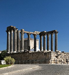 Evora roman-temple panoramic-view cropped.jpg