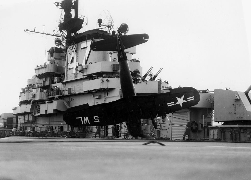 file f4u-4 vmf-311 crash on uss philippine sea  cv-47  c1948 jpeg