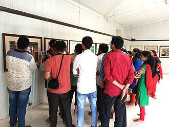 Chhatrapati Shivaji Maharaj Museum of Indian History - People appreciating the exhibits at Shivaji Hall, CSMMIH Museum