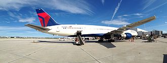 Fort Lauderdale–Hollywood International Airport - Delta Air Lines 757-300 at T2