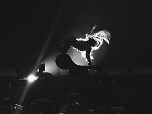 "Partition (song) - Beyoncé performing a chair dance choreography at The Formation World Tour during ""Partition"""