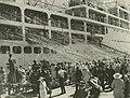 Farewell to passengers leaving on the Stratheden, Hamilton, Brisbane (4442639480).jpg