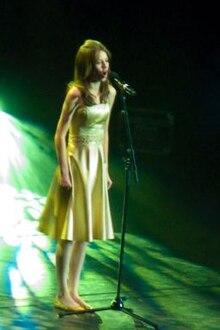 Faryl Smith Wikipedia