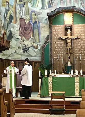 Saint Thomas Aquinas Cathedral - Image: Father Chuck Durante Saint Thomas Aquinas Cathedral Reno NV USA