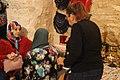 Femme vendeuse artisanat galerie mahmoud fendri casbah 2.jpg