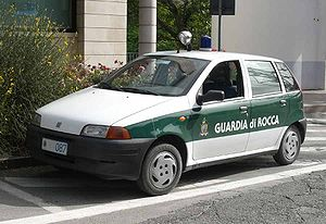 Military of San Marino - A Fiat Punto used by the Guard of the Rock.