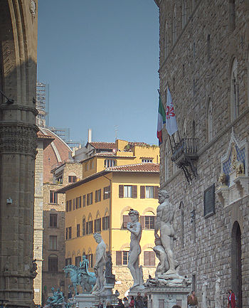 The statues in front of the Palazzo Vecchio.