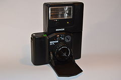 Flash Minox FC 35 on Minox 35 PL. Spielvogel.jpg