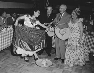Jarabe Tapatío - Jarabe dancers at Cinco de Mayo celebrations in Los Angeles 1952