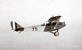"Un Curtiss JN-4 ""Jenny"" in volo, 1918"