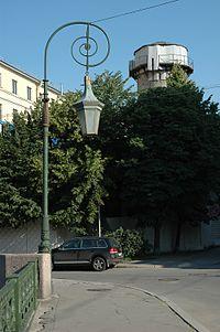 Fonarnyi bridge St Petersburg lantern.jpg