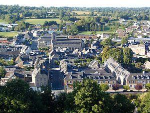 Centre ville de Gavray vu depuis le château ducal.