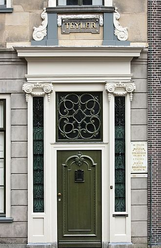 Pieter Teyler van der Hulst - The front door of Teylers Fundatiehuis. Until the Spaarne wing was built in 1885, access to Teylers Museum was gained through this door: the front door of Pieter Teyler's residence.