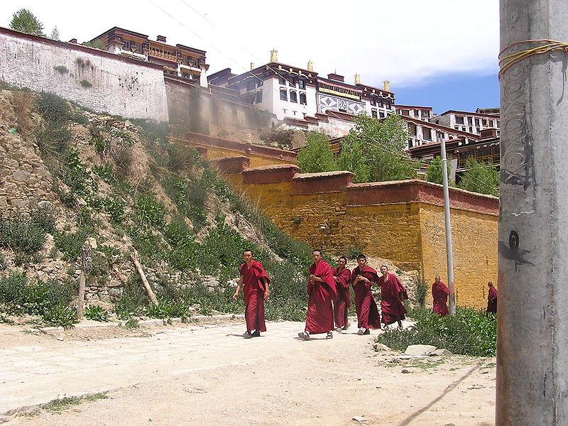 Монастырь Генден был основан в 1409 году учениками Цонкапы