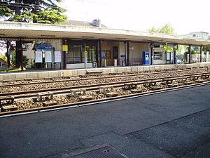 Ablon-sur-Seine - Image: Gare d'Ablon 04