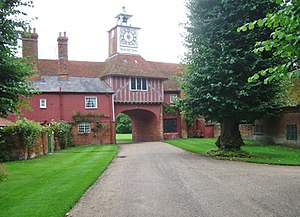 Grade II* listed buildings in Brentwood (borough) - Image: Gatehouse, Ingatestone Hall geograph.org.uk 3085569