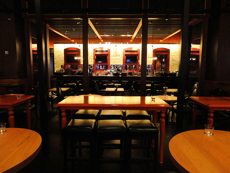 File:Gordon Ramsay Pub and Grill, Caesar's Palace Hotel and Casino, Las Vegas, Nevada, USA (8299294446).jpg