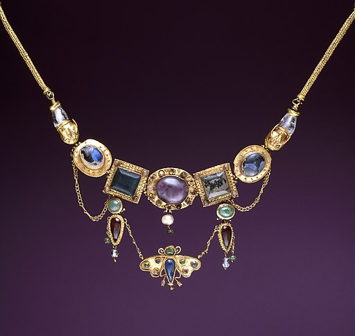Greek - Necklace with Butterfly Pendant - Walters 57386