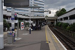 Gunnersbury station MMB 03.jpg