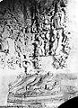 Hôtel-Dieu (ancien) - Chapelle. Relief à gauche de l'entrée - Arbre de Jessé (partie inférieure) - Issoudun - Médiathèque de l'architecture et du patrimoine - APMH00001422.jpg