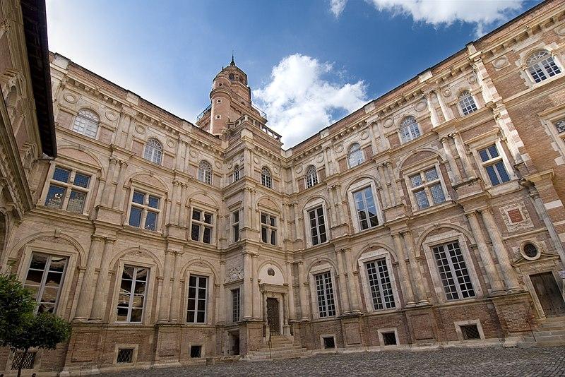 File:Hôtel d'Assézat, toulouse (single shot).jpg - Маршрут по Тулузе: Искусство и История