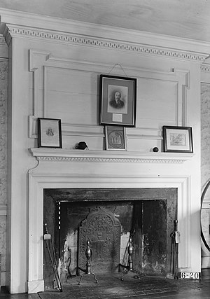 Wallace House (Somerville, New Jersey) - Fireplace