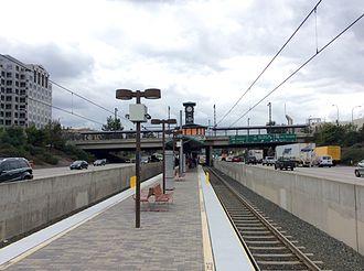 Lake station (Los Angeles Metro) - Platforms at Lake Metro station