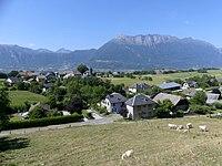 Hauteurs d'Hauteville en Savoie en été (2019).JPG