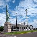 Havan estátua Araçatuba.jpg