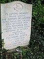 Headstone for Sir Rohan & Eleanor Delacombe, St Marys, Shrewton (geograph 5170502).jpg