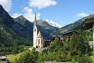 Heiligenblut am Großglockner - View to St Vincent Church and Grossglockner massif