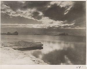 Herbert Ponting - Image: Herbert Ponting icebergs Scott Expadition