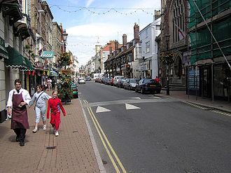 High Street - Image: High.street.ilfracom be.arp.750pix