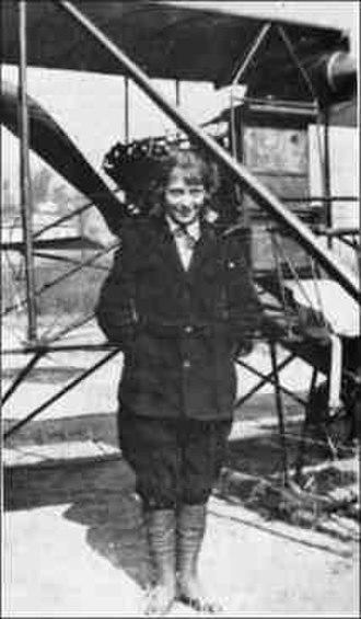 Hilder Florentina Smith - Image: Hilder Florentina Youngber Smith circa 1914 1915