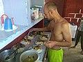 Hombre cocinando 2.jpg