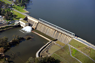 Hume Dam - Aerial view of Hume Dam and spillway, 2012