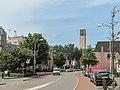 IJmuiden , straatzicht met stadhuis op achtergrond foto2 2011-06-12 14.50.JPG